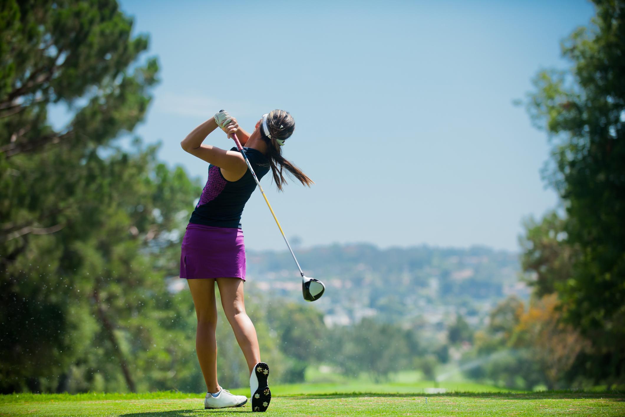 Golfaamiseen soveltuva vaatetus